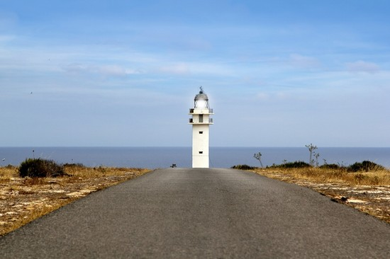 Photo barbaria lighthouse formentera in Formentera - Pictures and Images of Formentera - 550x366  - Author: Editorial Staff, photo 40 of 100