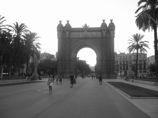 Photo arc de triomf barcellona in Barcelona - Pictures and Images of Barcelona - 550x412  - Author: Barbara, photo 9 of 575