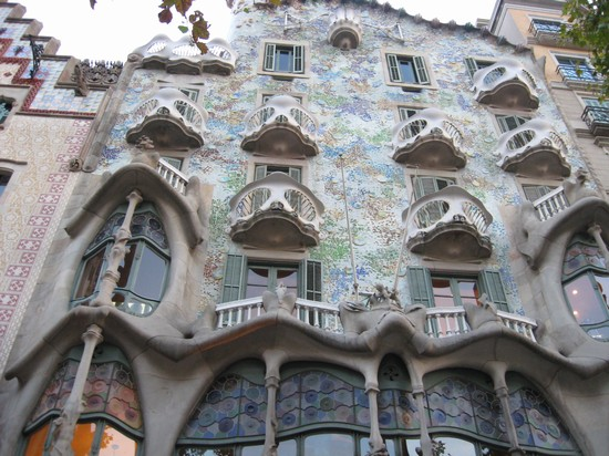 Photo casa batllo barcellona in Barcelona - Pictures and Images of Barcelona - 550x412  - Author: Barbara, photo 354 of 603