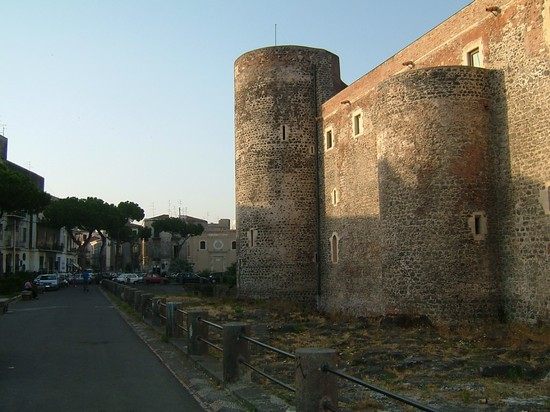 Photo castello ursino catania in Catania - Pictures and Images of Catania - 550x412  - Author: Barbara, photo 3 of 218