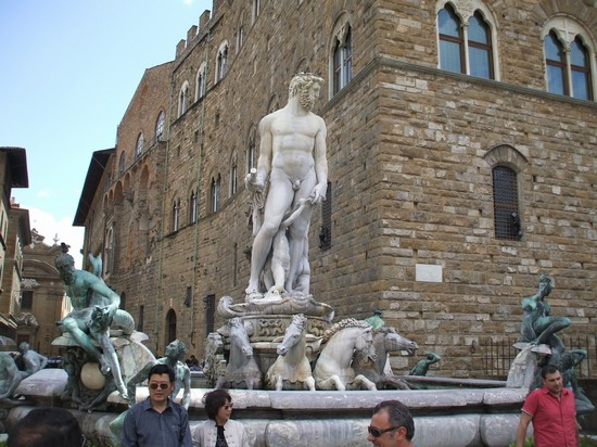 Photo Fontana del Nettuno in Florence - Pictures and Images of Florence