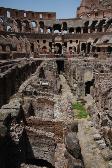 Photo Interno del Colosseo in Rome - Pictures and Images of Rome