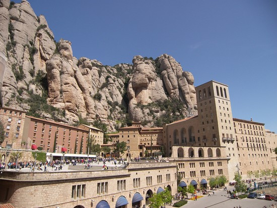 Photo montserrat barcellona in Barcelona - Pictures and Images of Barcelona - 550x412  - Author: Editorial Staff, photo 5 of 609