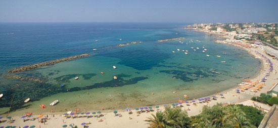 Marinella Italy  City pictures : Foto La spiaggia centrale a Santa Marinella 550x255 Autore ...