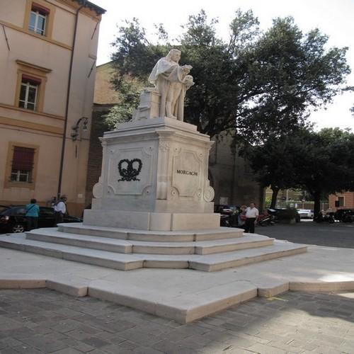 Foto Monumento a Giambattista Morgagni a Forlì Cesena - 500x500  - Autore: Laura, foto 13 di 38