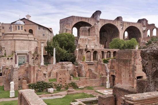 Foto Basilica di Massenzio a Roma - 550x366  - Autore: Redazione, foto 82 di 1220