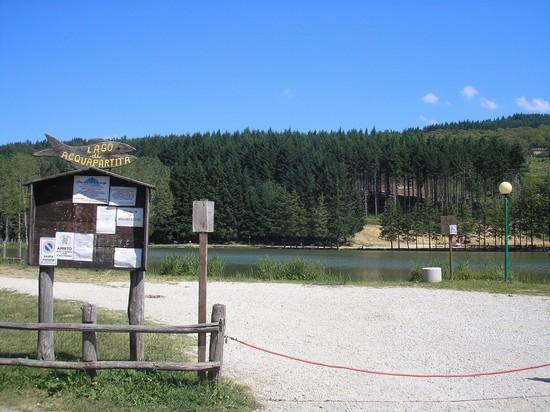 Foto lago 1 a bagno di romagna 550x412 autore - Lago pontini bagno di romagna ...