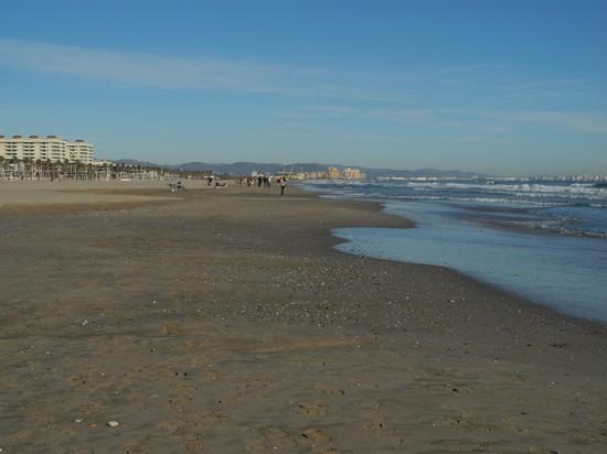 Foto la spiaggia di inverno a valencia 550x412 autore for Spiaggia malvarrosa valencia