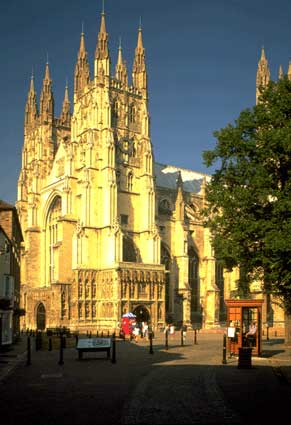 Photo canterbury veduta chiesa in Canterbury - Pictures and Images of Canterbury - 291x425  - Author: Editorial Staff, photo 3 of 7