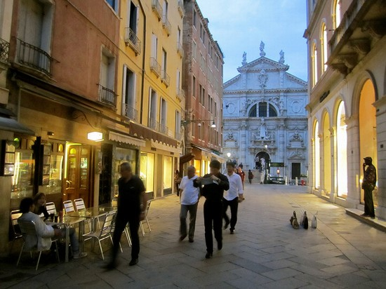 photo venezia shopping in venice pictures and images of