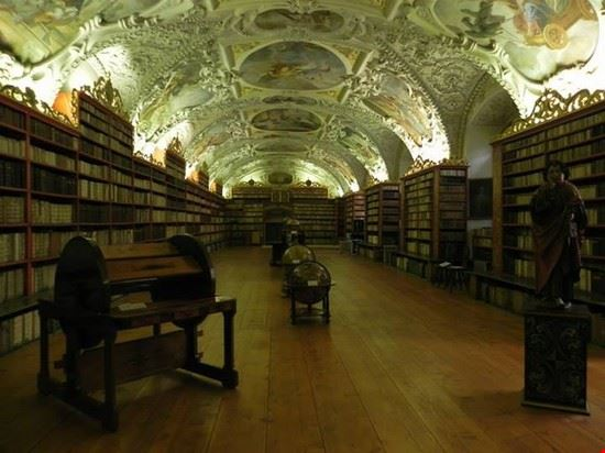 69556 biblioteca del monastero di strahov praga