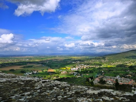 TRAVEL GUIDE a CORTONA