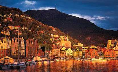 Photo bergen il porto de bergen al tramonto in Bergen - Pictures and Images of Bergen