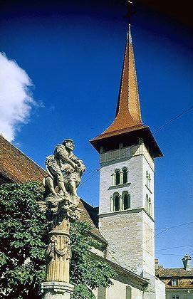 Foto Chiesa romanica di Notre Dame a Friburgo - 271x420  - Autore: Redazione, foto 2 di 19
