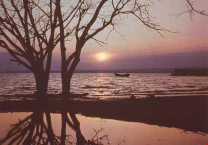 Tramonto sul lago Vittoria