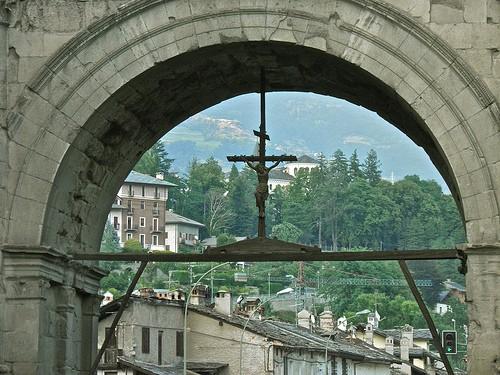 Arco di augusto aosta for Buthier piscine