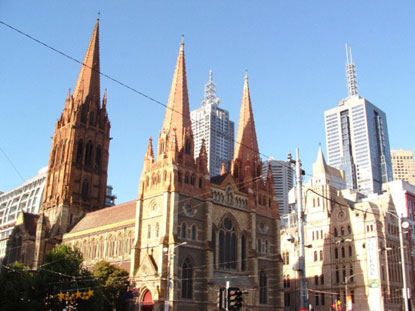 Photo melbourne cattedrale e grattacieli in Melbourne - Pictures and Images of Melbourne - 415x311  - Author: Editorial Staff, photo 1 of 106