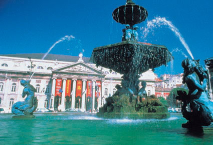 Photo lisbon piazza rossio in Lisbon - Pictures and Images of Lisbon - 425x290  - Author: Editorial Staff, photo 8 of 432