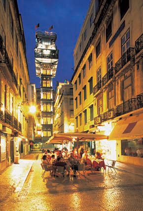 Photo lisbon santa justa elevator in Lisbon - Pictures and Images of Lisbon - 290x425  - Author: Editorial Staff, photo 1 of 432