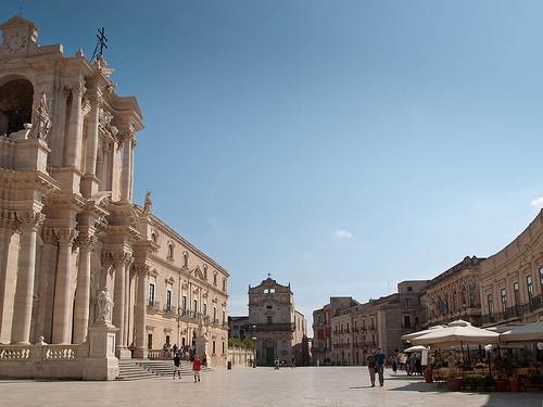 Catedral en siracusa monumentos y edificios historicos for Hotel 1823 siracusa