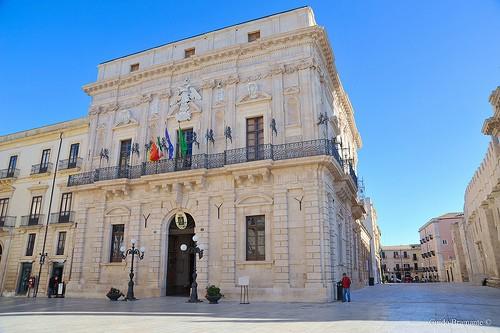 Ayuntamiento en siracusa monumentos y edificios for Hotel 1823 siracusa