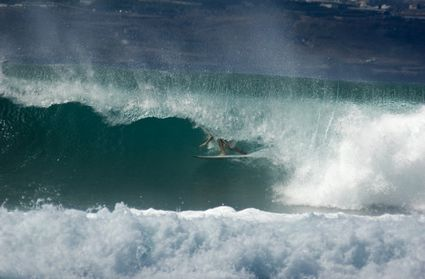 Photo las palmas de gran canaria il surf in Las Palmas de Gran Canaria - Pictures and Images of Las Palmas de Gran Canaria