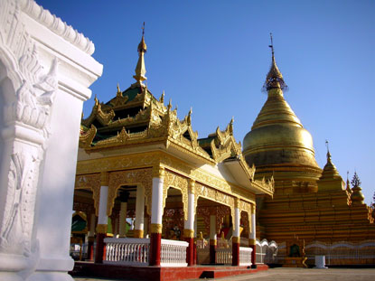 Photo mandalay kuthodaw pagoda in Mandalay - Pictures and Images of Mandalay - 415x311  - Author: Editorial Staff, photo 8 of 23