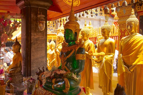 TEMPLE OF THE EMERALD BUDDHA a BANGKOK