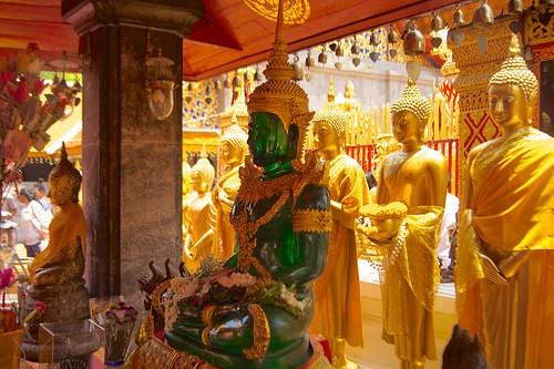 TEMPLE OF THE EMERALD BUDDHA a BANGKOK