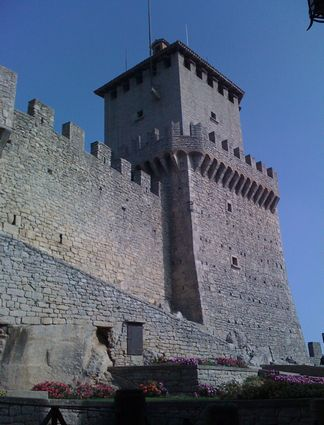 Photo san marino castello della guaita in San Marino - Pictures and Images of San Marino - 324x425  - Author: Editorial Staff, photo 3 of 45