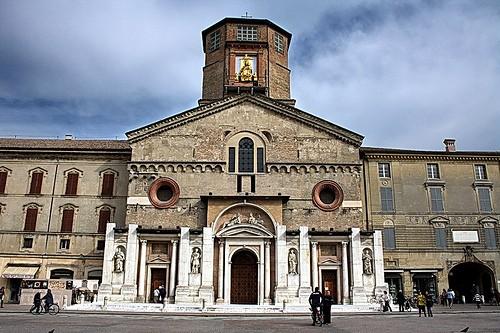 Cattedrale di santa maria assunta reggio emilia for Questura di reggio emilia permessi di soggiorno