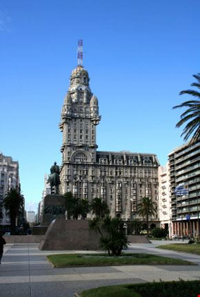 Piazza Indipendenza a Montevideo