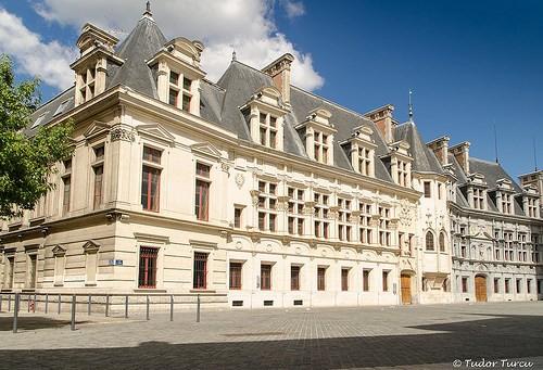 Foto palazzo del parlamento a grenoble 500x341 autore for Immagini del parlamento