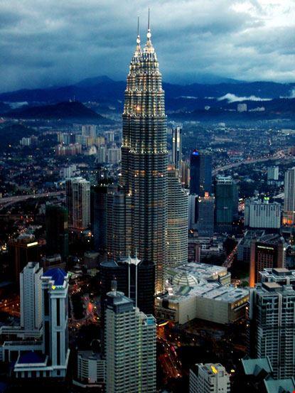8331 kuala lumpur petronas towers