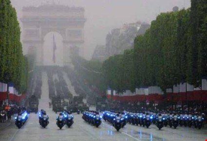 8421 paris festa nazionale sfilata sugli champs-elysees