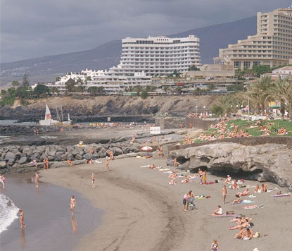 Foto Spiaggia - Playa de las Americas a Tenerife - 415x356  - Autore: Redazione, foto 3 di 118