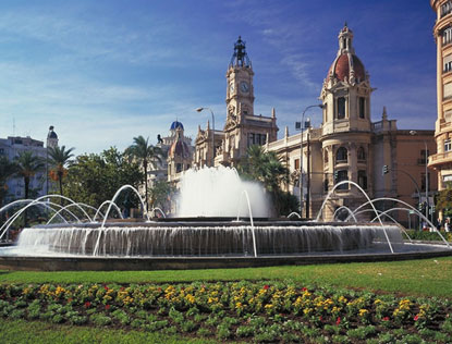 Photo valencia piazza plaza del ayuntamiento in Valencia - Pictures and Images of Valencia - 415x316  - Author: Editorial Staff, photo 1 of 352