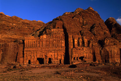 Photo petra edifici scolpiti nella roccia in Petra - Pictures and Images of Petra