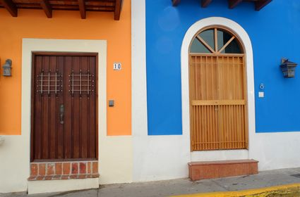 Photo san juan tipiche porte in San juan - Pictures and Images of San juan