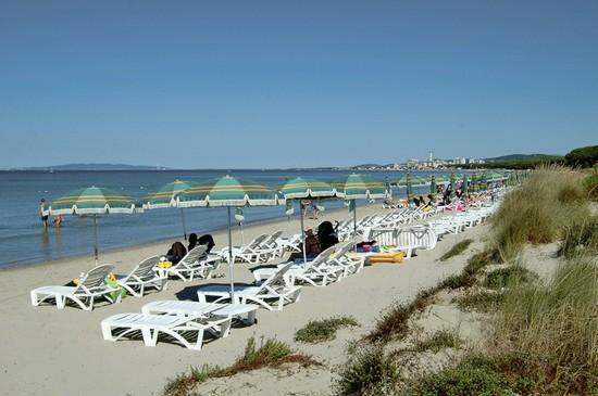 Foto spiaggia a scarlino 550x365 autore redazione for Mondo convenienza scarlino