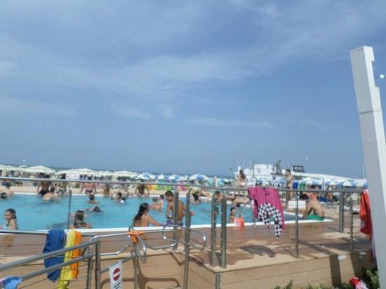 Foto calypso beach misano adriatico a misano adriatico 550x412 autore redazione foto 1 di 24 - Bagno calypso misano ...