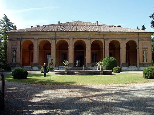 Villa cicogna san lazzaro di savena for Jaboli arredamenti san lazzaro di savena