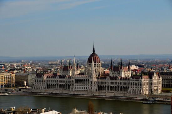 Foto palazzo del parlamento a budapest 550x365 autore for Immagini del parlamento