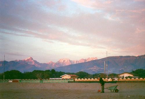 Foto bagno lunezia a marina di carrara 500x341 autore for Bagno unione marina di carrara