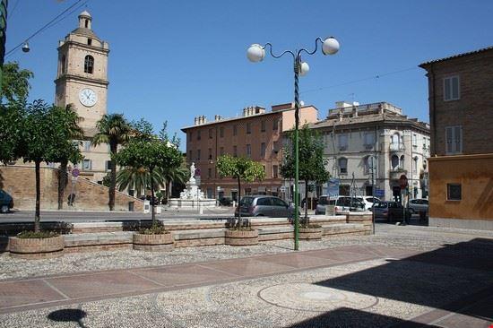 porto san giorgio centro storico