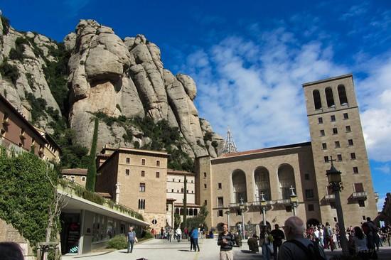 Foto monastero a barcellona 550x366 autore redazione for Ostelli a barcellona consigli