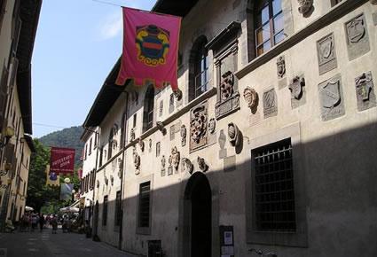 Foto palazzo del capitano a bagno di romagna 425x290 autore redazione foto 20 di 55 - Palazzo turchi di bagno ...