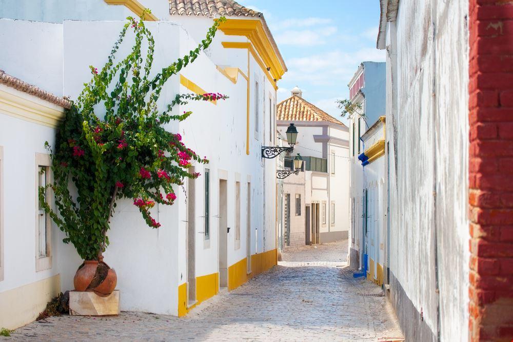 Faro shutterstock_109006805
