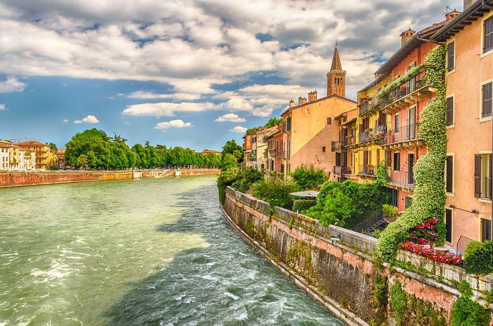 Verona_348795320
