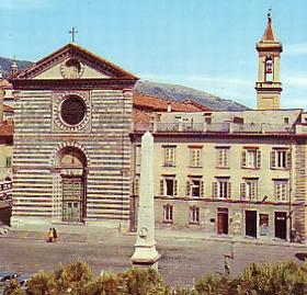 Fotos prato im genes destacadas y fotos de prato for Piazza san francesco prato